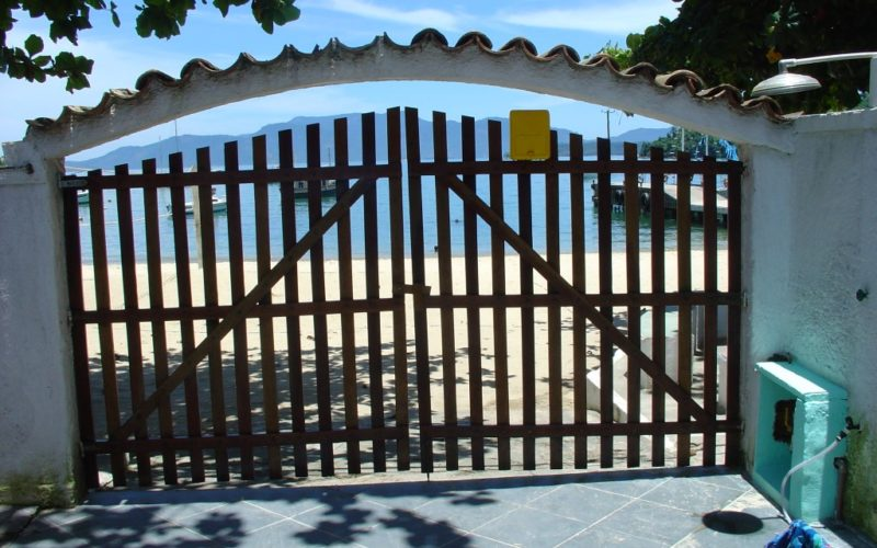 Beach Property at Fantastic Location in Angra dos Reis at Praia do Bonfim