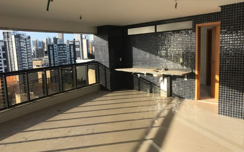 Luxury Apartment in Salvador with 330 sqm living space