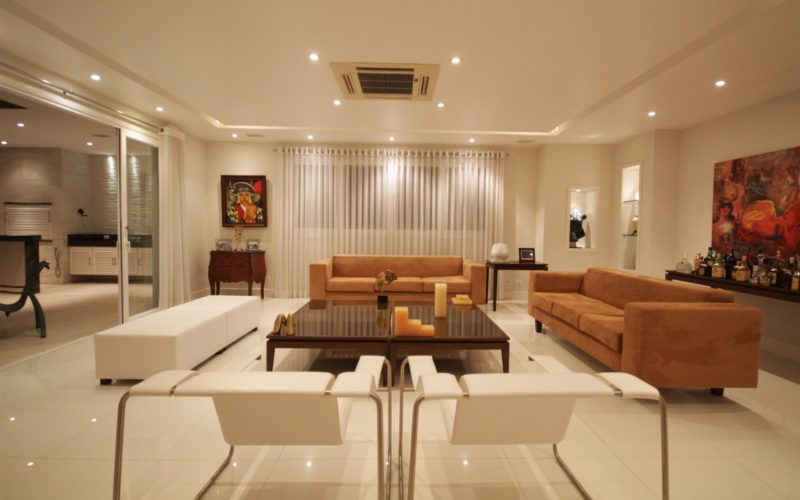 Luxury Mansion with 6 Suites and 930 sqm living space in Barra da Tijuca, Rio de Janeiro