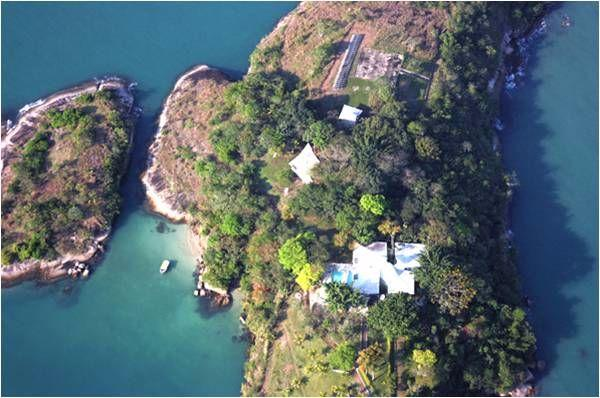 Panoramic Island with 40.000 m² total area and Private Residence in Paraty
