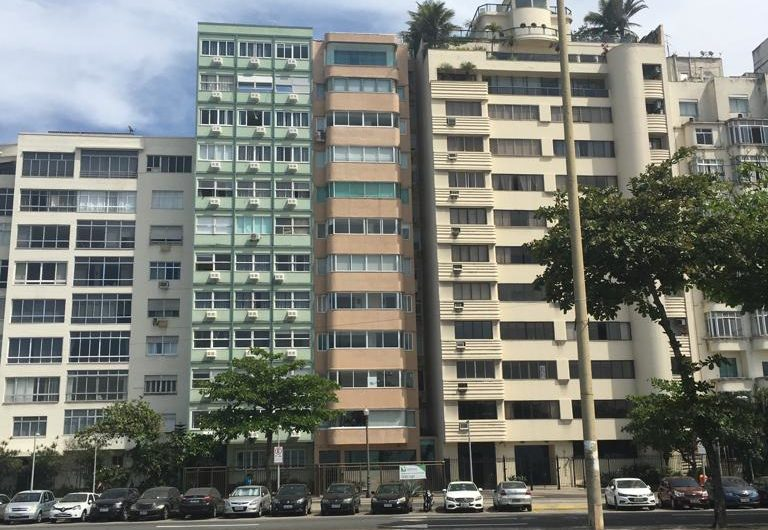 Beach Front Apartment Copacabana with 3 Bedrooms and 162 sqm living space
