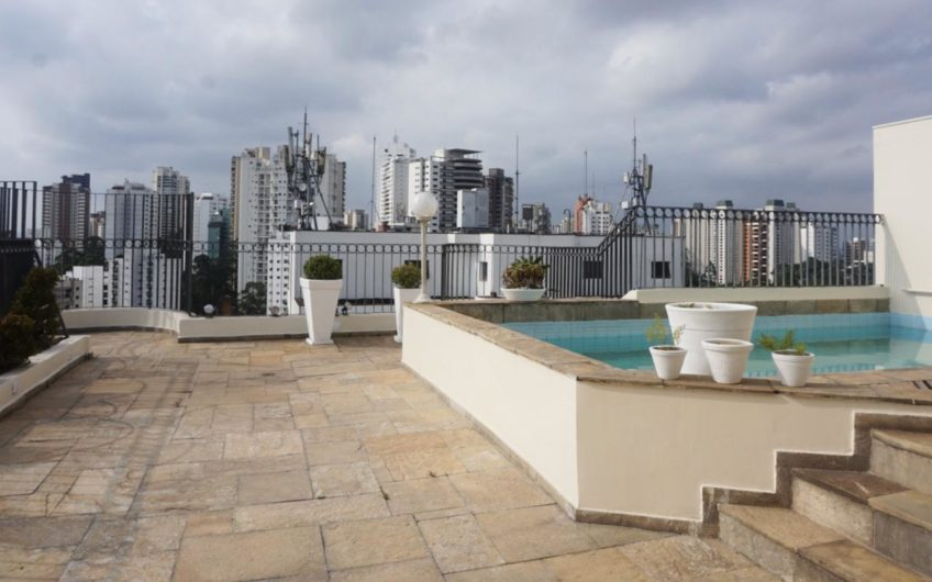 Penthouse Apartment in Morumbi with 344 m² living space and 4 bedrooms