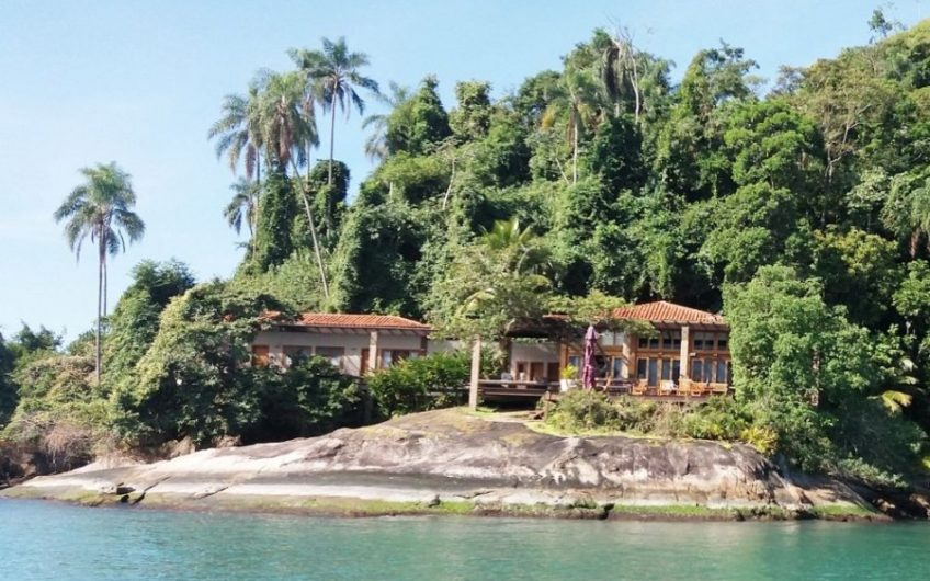 Extensive Island Paraty
