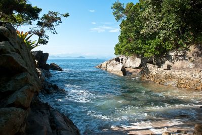 Private Island with 63.000 sqm and 7 Suites completely developed near Paraty